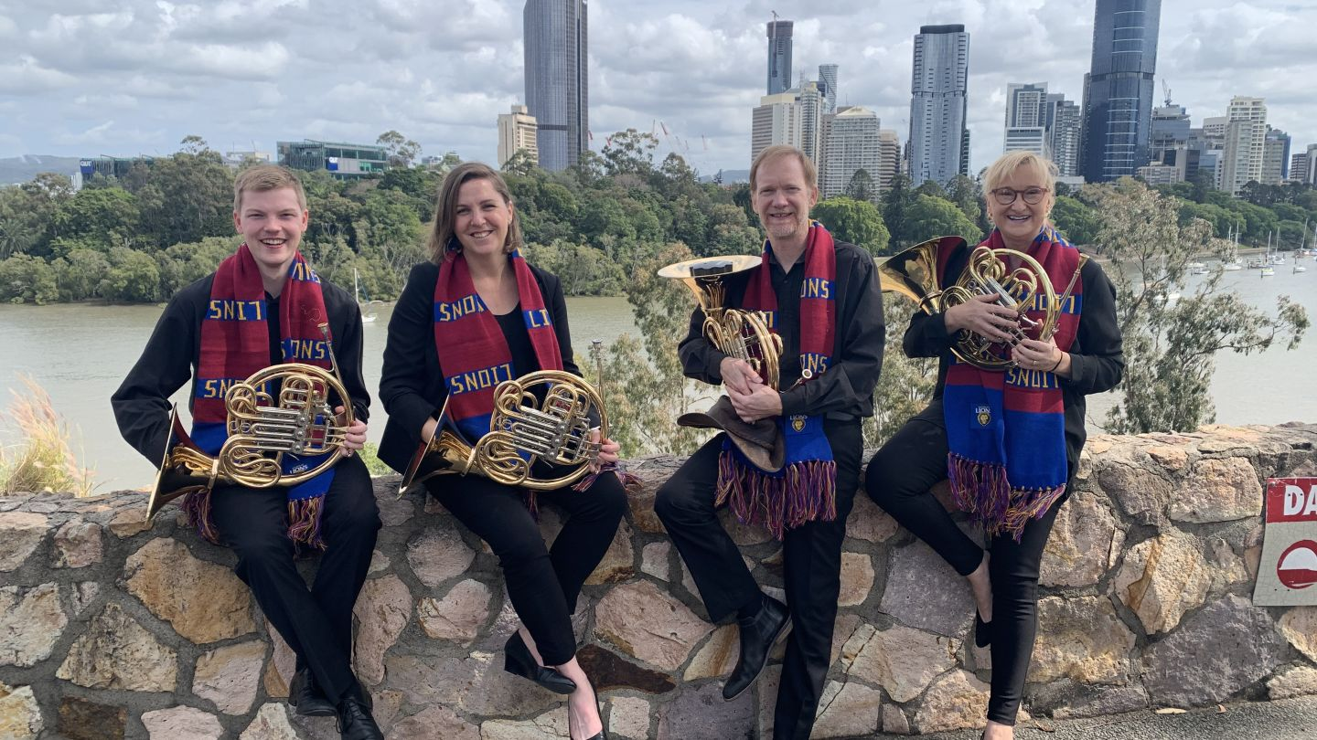 Queensland Symphony Orchestra performs state's AFL anthems